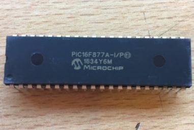 Microchip PIC16F877A-I/P 8-Bit Microcontroller 20M