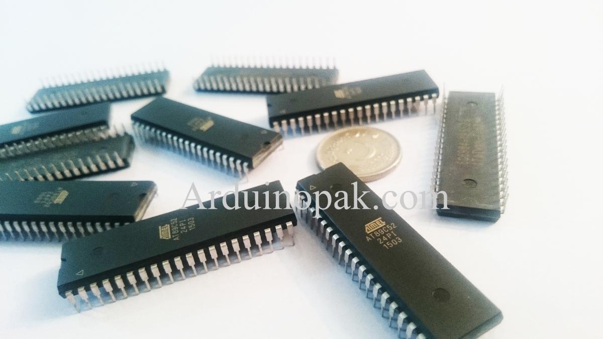 8051 AT89C52 Atmel Microcontroller chip